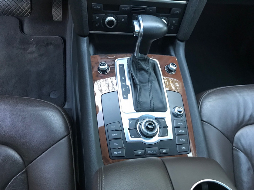 Audi Q7 2012 года. зображення 4