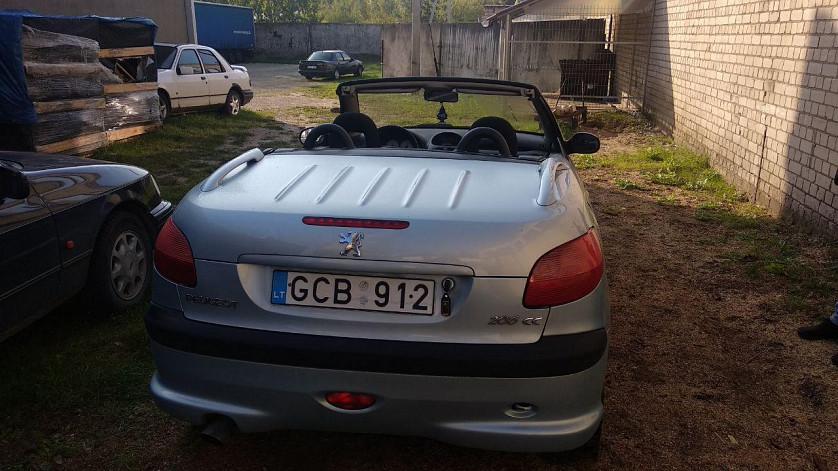 Peugeot 206cc 1.6i AT зображення 1