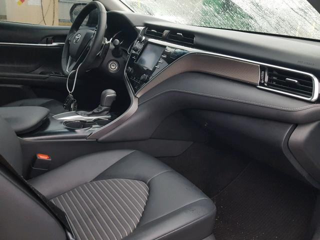 Toyota Camry Le 2018 год зображення 2