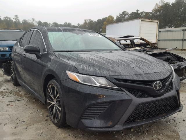 Toyota Camry Le 2018 год зображення 3