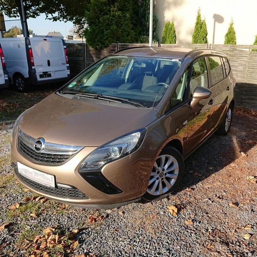 Opel Zafira Tourer 2014 зображення 1