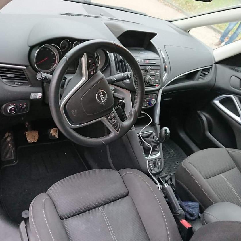 Opel Zafira Tourer зображення 4