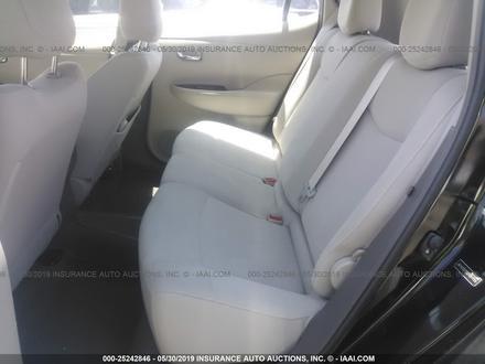 Nissan Leaf целый за $6500 изображение 8