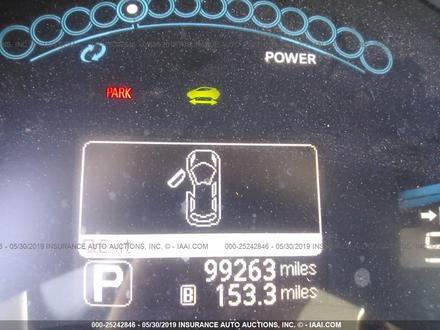 Nissan Leaf целый за $6500 изображение 7