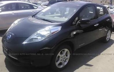Nissan Leaf целый за $6500 изображение 2