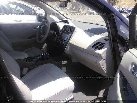Nissan Leaf целый за $6500 изображение 5