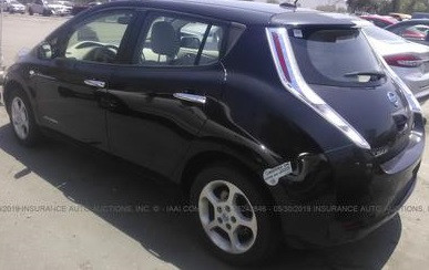 Nissan Leaf целый за $6500 изображение 3