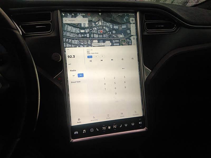 2015 Tesla Model S 4dr Sdn AWD 70D зображення 6