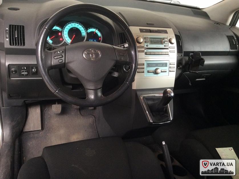 Toyota Corolla Verso 2.2 Turbodiesel D-4D зображення 2
